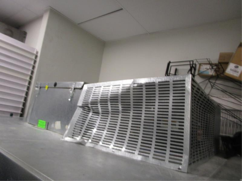 """Walk In Cooler by Norlake, Approx. 10' x 91""""t x 6'w, Drop In Compressor, Cut Out In Rear For - Image 2 of 13"""