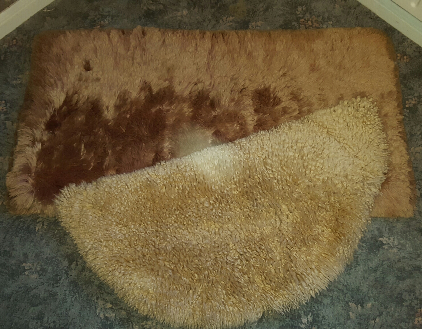Lot 43 - Sheep Skin Rug and Pure Mohair Rug