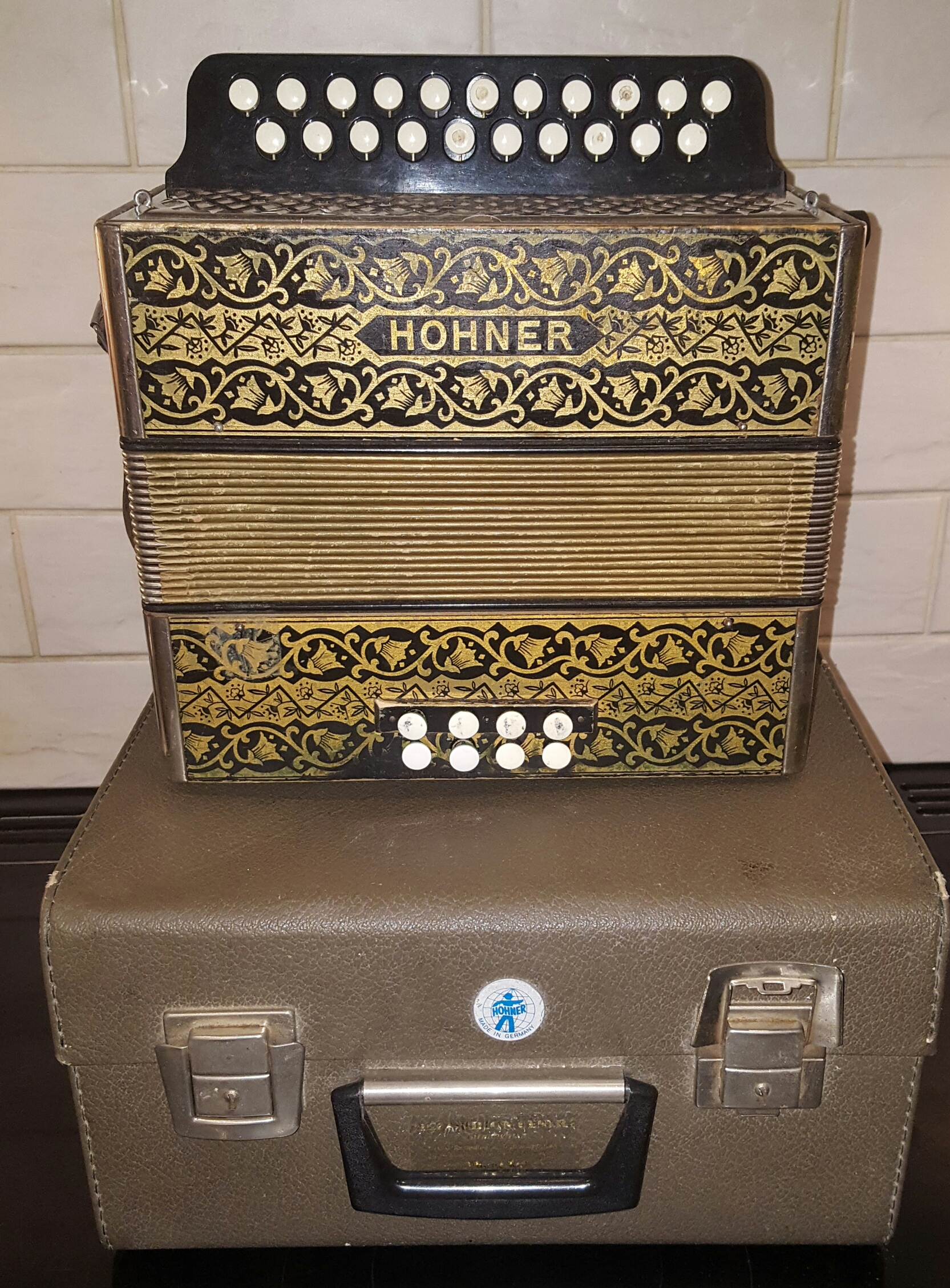 Lot 35 - Piano Accordion Hohner