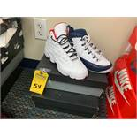 PAIR NIKE AIR JORDAN - YOUTH / SIZE 7