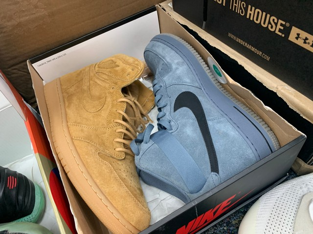 PAIR NIKE AIR FORCE ONE HIGH TOPS - MENS - 315121-415 / SIZE 10.5 - 555088-710 / SIZE 14 - Image 4 of 4