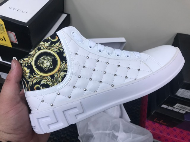PAIR VERSACE SNEAKERS (AS-IS) - SIZE 42 - Image 4 of 7