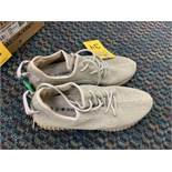 PAIR ADIDAS YEEZY BOOST 350-V2 FTWR - MENS / WHITE / SIZE 11.5 (NO BOX)
