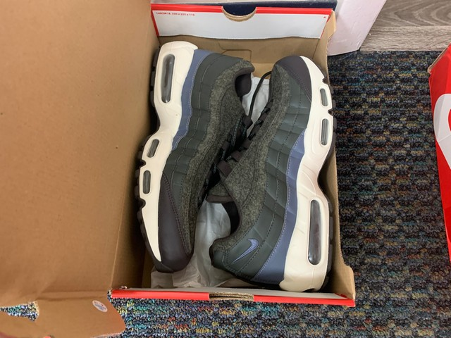 ASSORTED PAIR NIKE SHOES - AIRMAX, ETC - Image 7 of 7