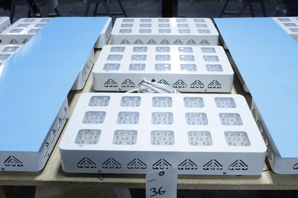 Lot 36 - Advanced led lights diamond series 300w LED grow light