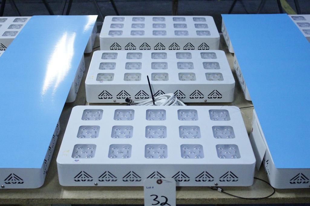 Lot 32 - Advanced led lights diamond series 300w LED grow light