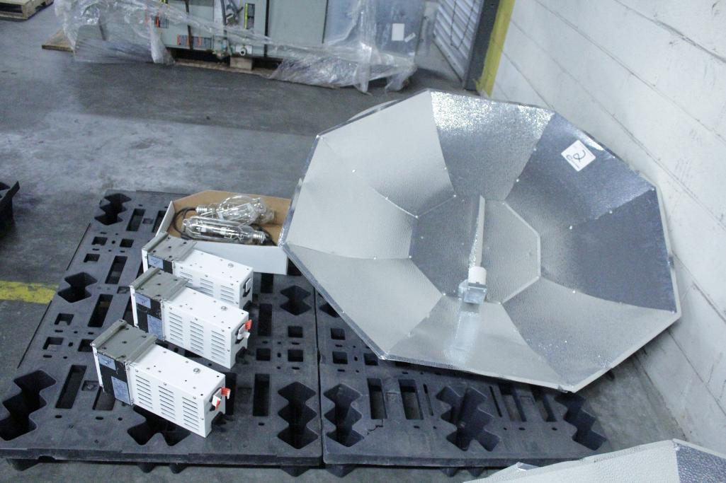 Lot 2 - Sun System ballast w/ reflectors & bulb SLS-CWA-HPS600A / 2T