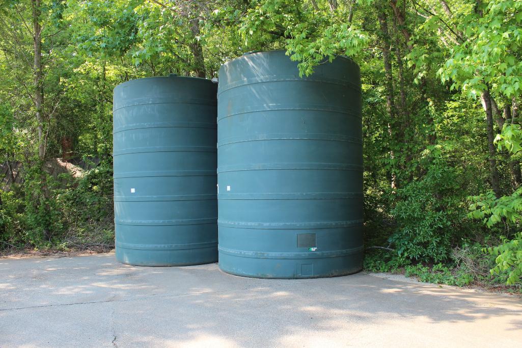 Lot 22 - Rotoplas 8000 gal. water storage tank