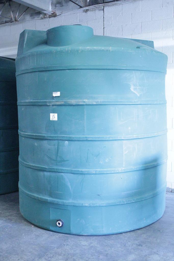 Lot 15 - Dura-Cast 2500 vertical storage tank