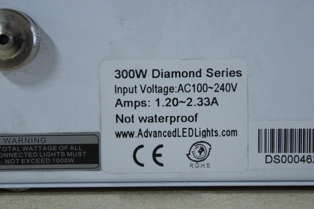 Lot 26 - Advanced led lights diamond series 300w LED grow light
