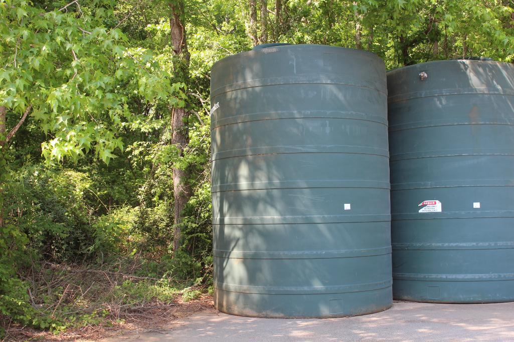 Lot 23 - Rotoplas 8000 gal. water storage tank