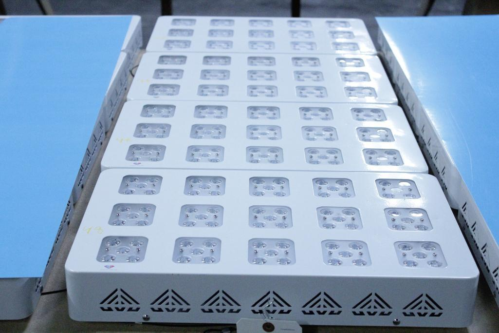Lot 48 - Advanced led lights diamond series 300w LED grow light
