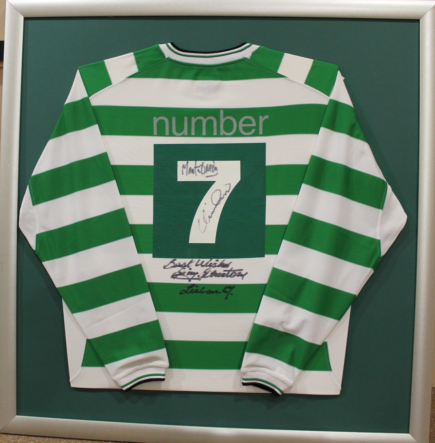 LONG SLEEVE GLASGOW CELTIC NUMBER 7 JERSEY signed by Jimmy