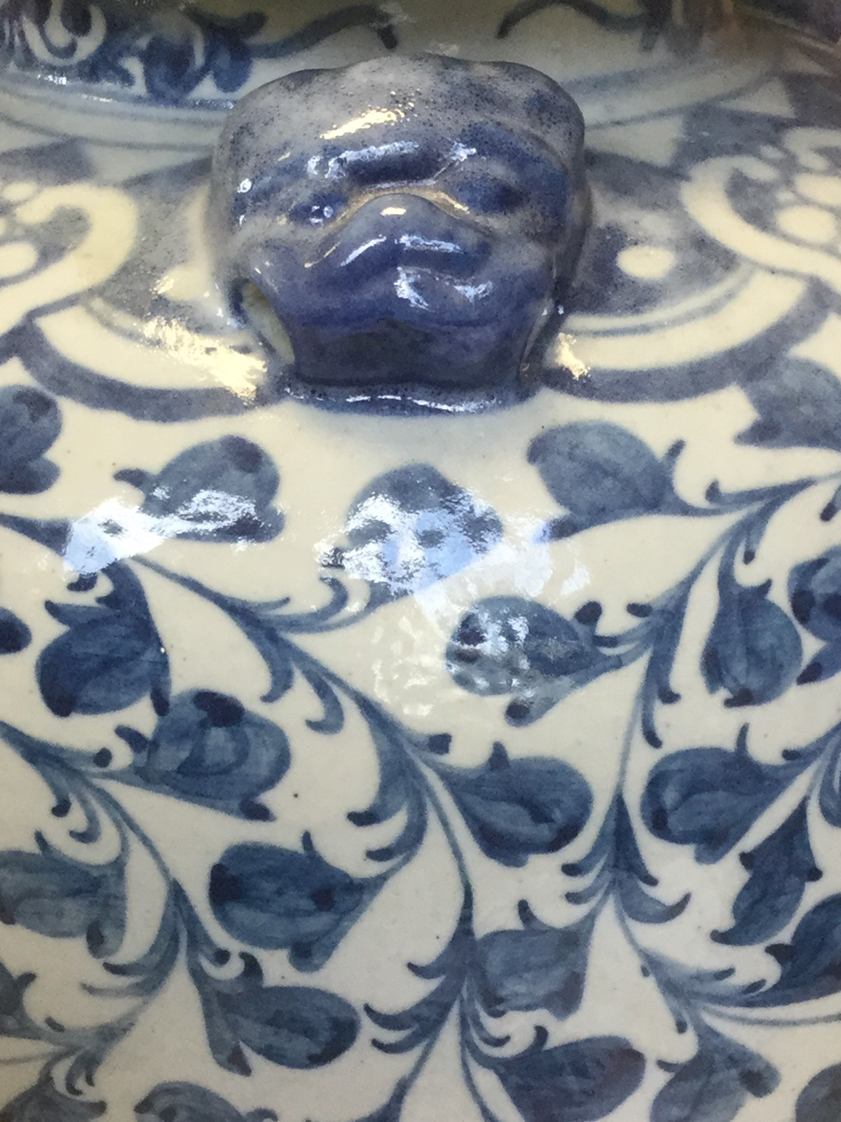 Lot 65 - A large Chinese blue & white potted vase and cover with dog finial, the shoulders with three dog