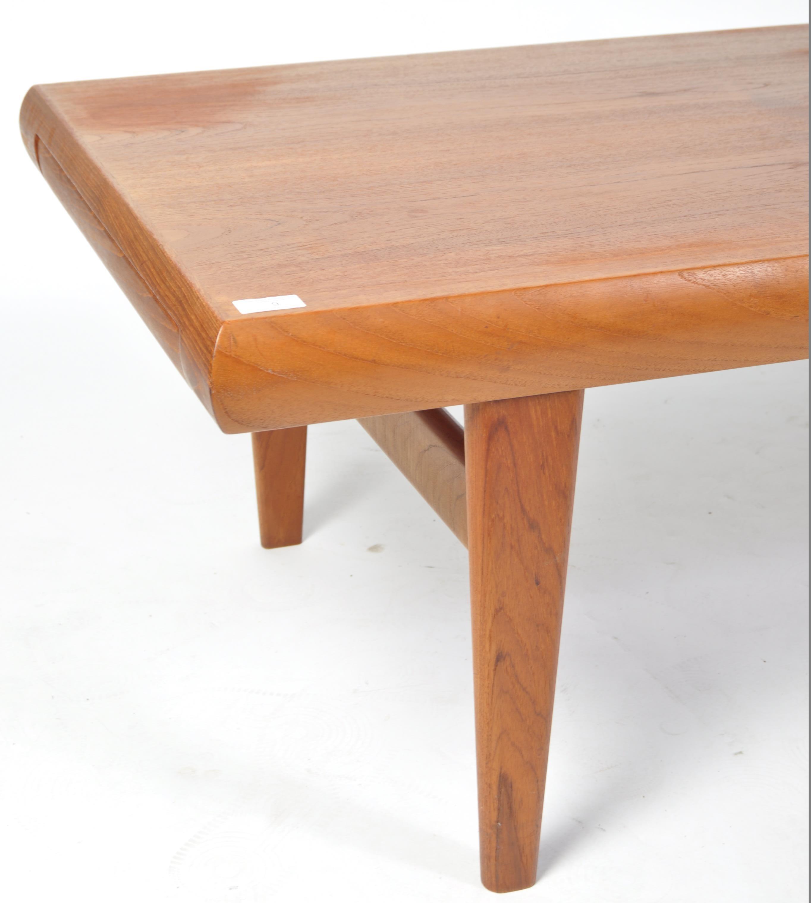 Lot 9 - TRIOH 1970'S RETRO VINTAGE TEAK WOOD COFFEE / CENTRE TABLE