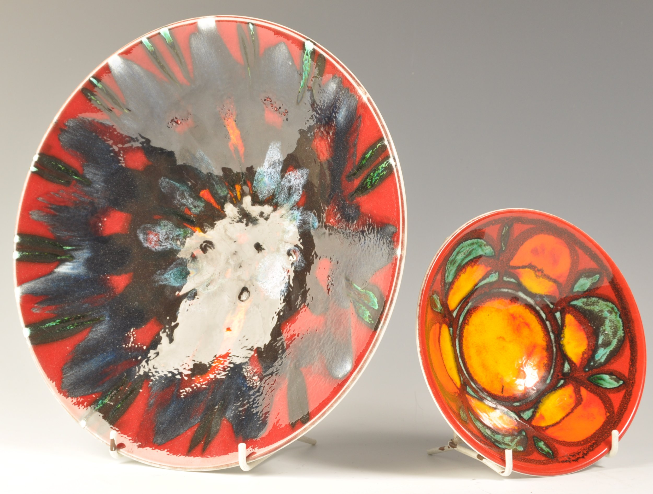 Lot 22 - POOLE DELPHIS 1970'S POTTERY BOWLS BY JANET LAIRD AND CAROL CUTLEr