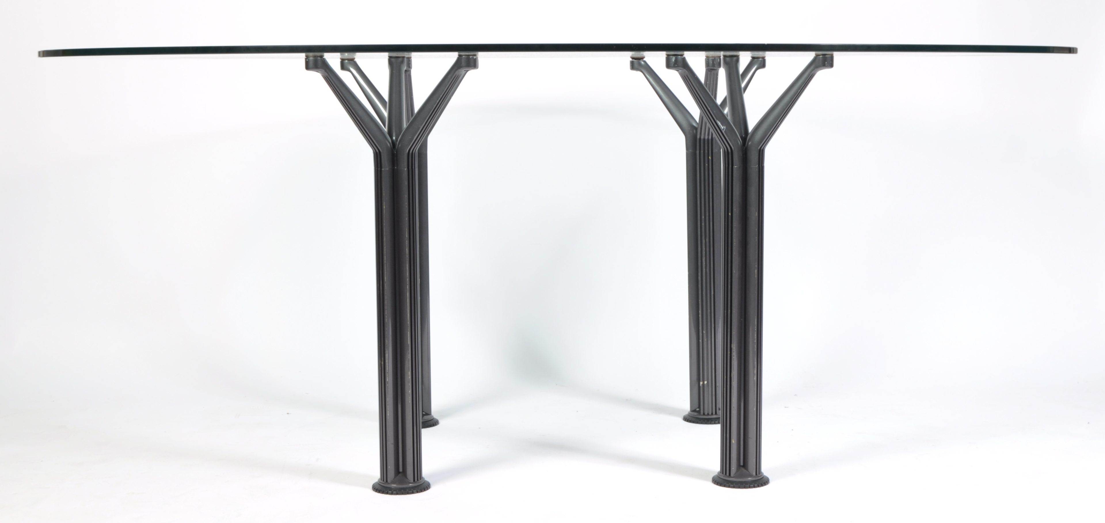 Lot 36 - CONTEMPORARY DESIGNER LARGE OVAL GLASS DINING TABLE
