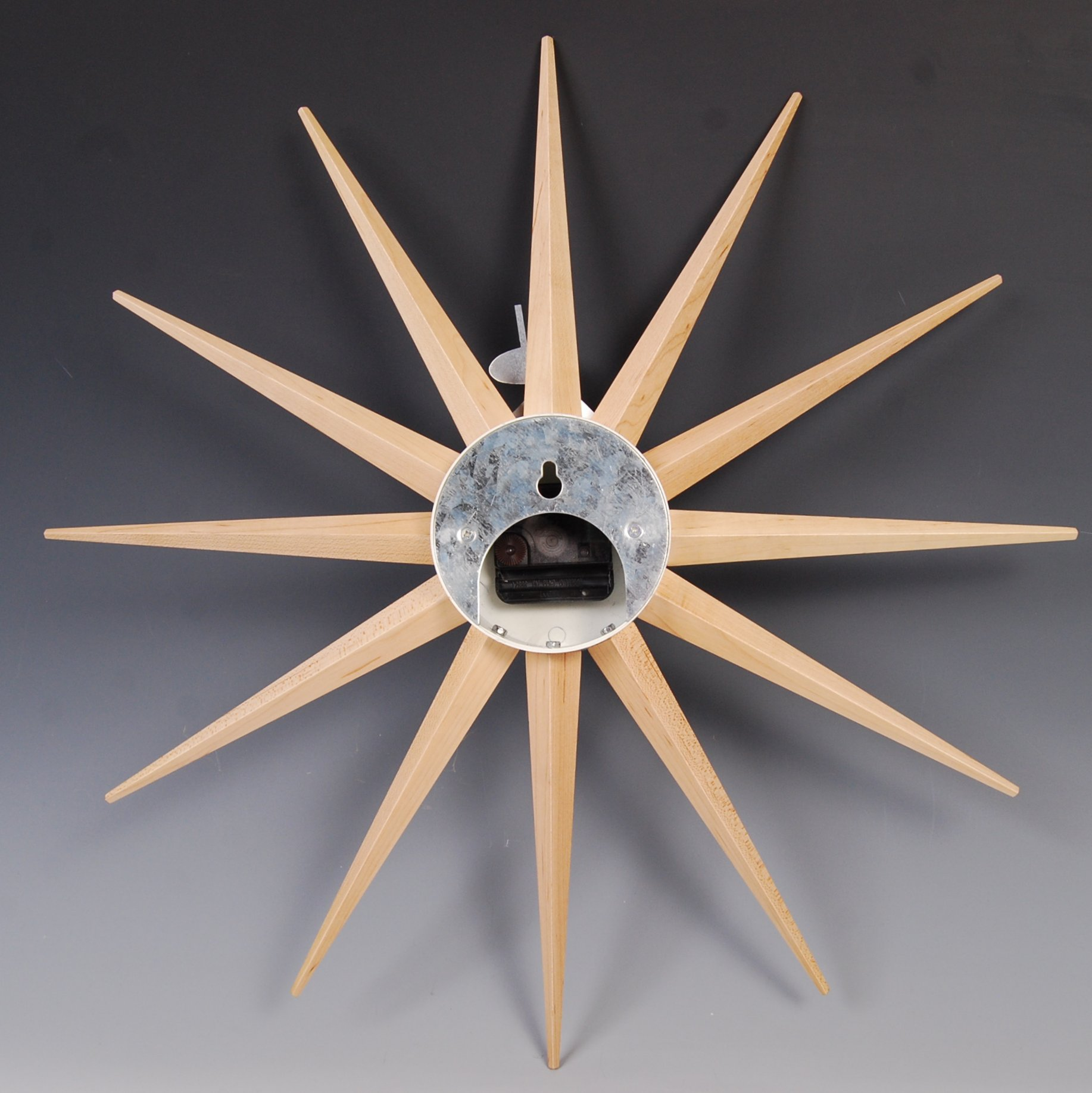 Lot 21 - AFTER GEORGE NELSON A CONTEMPORARY STARBURST CLOCK