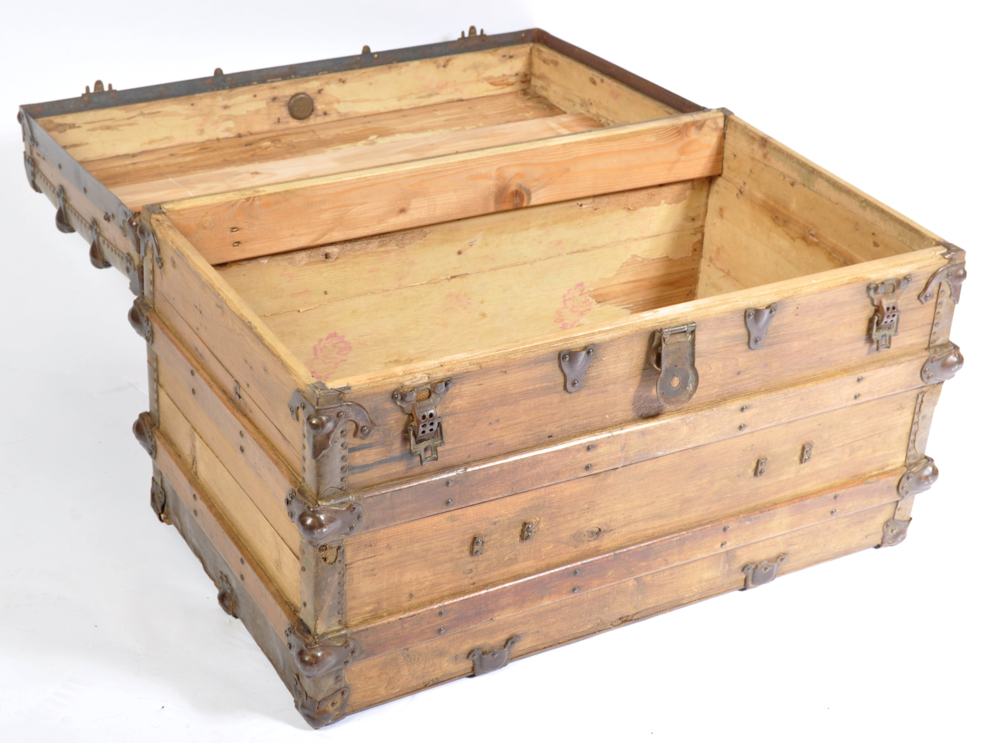 Lot 56 - VINTAGE 20TH CENTURY STAINED PINE AND METAL BOUND TRUNK / CHEST