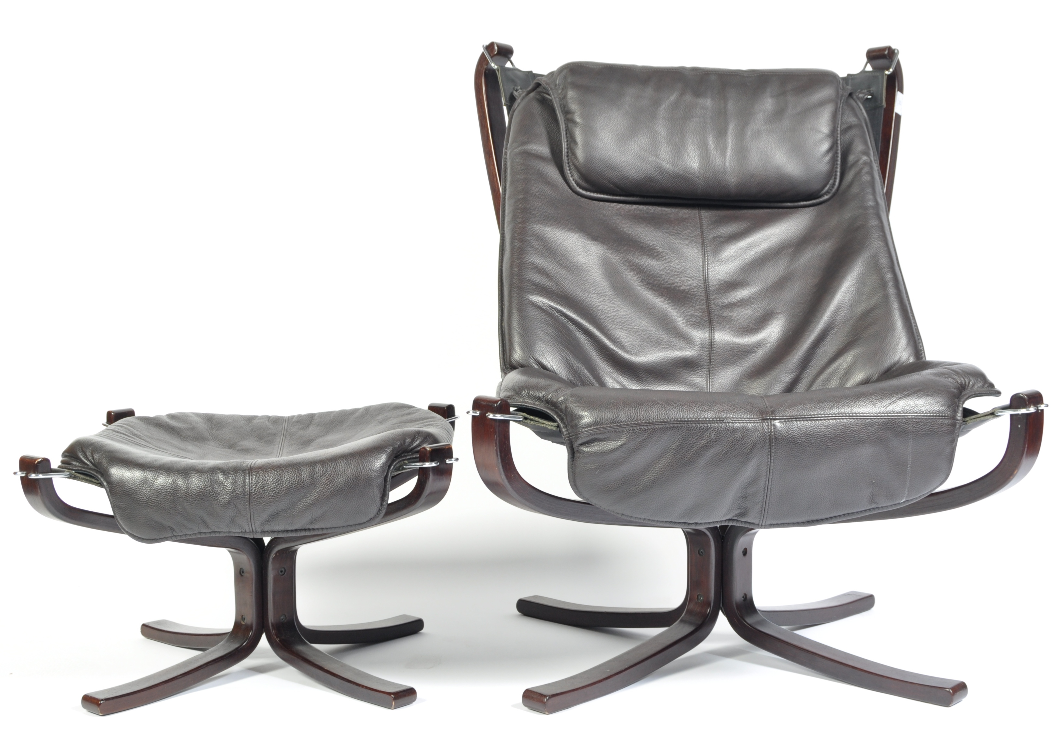 Lot 25 - AFTER SIGURD RESSELL A CONTEMPORARY FALCON CHAIR AND OTTOMAN
