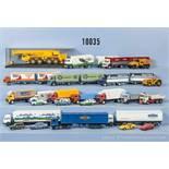 Konv. über 50 H0 Modellfahrzeuge, dabei Lkw, Sattelzüge, Lastzüge, Einsatzfahrzeuge, Sportwagen,