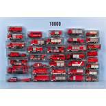 Konv. 36 H0 Feuerwehr-Einsatzfahrzeuge, dabei Leiterwagen, Kranwagen, Spritzenwagen usw., versch.