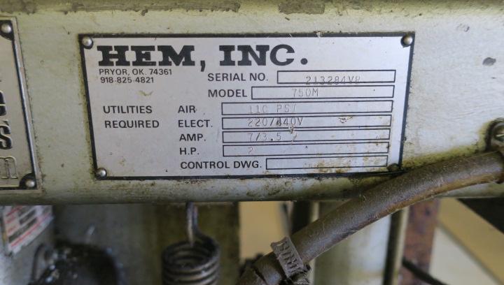 "Lot 8 - HORIZONTAL BANDSAW, HEM MDL. 750M, 2 HP motor, 10"" rd. cap., 10"" x 15"" rect. cap., 1"" blade size,"