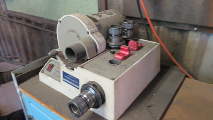 LOT CONSISTING OF: assorted grinding accessories, drill grinder & punch grinder, including precision - Image 2 of 8