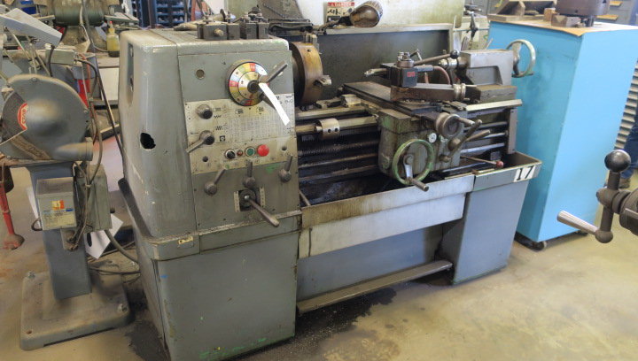"ENGINE LATHE, CLAUSING COLCHESTER 13"" X 30"", 2-1/4"" spdl. hole, spds: 25-2000 RPM, inch/metric"