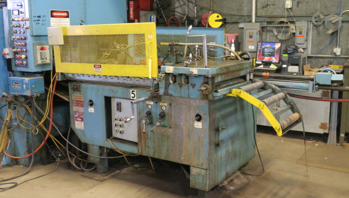 "AIR OPERATED FEEDER, AIR FEEDS MDL. AF2 CABINET STYLE, 24"" material width, 36' max. stroke, adj. ht."