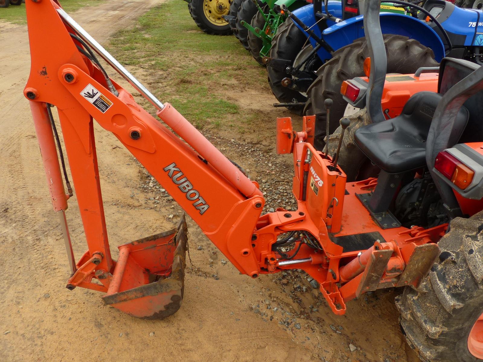Id 3961 Kubota L3400 Tractor Open 4wd W La463 Loader