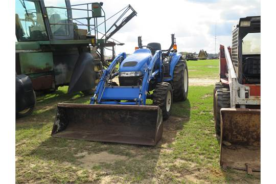 ID#:2655 NEW HOLLAND TC400 TRACTOR, OPEN, 4WD, Q/16LA LOADER AND