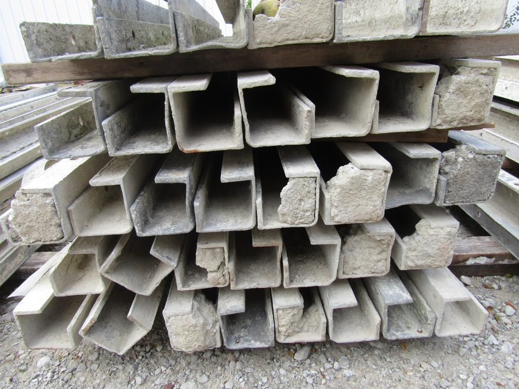 """(15) 4"""" x 4"""" x 8' Durand Concrete Forms, Inside Corners, Smooth 6-12 Hole Pattern, Full"""