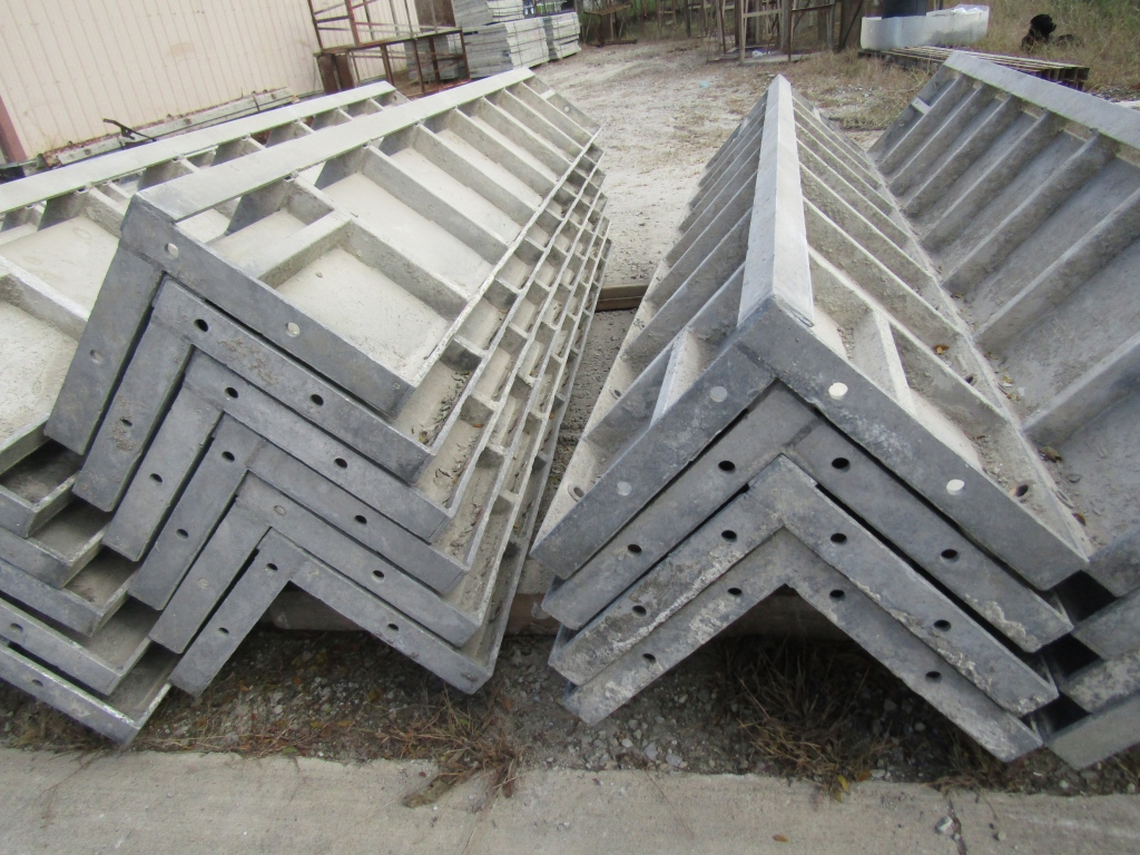 """(4) 14"""" x 14"""" x 8' Durand Concrete Forms Corners, Smooth 6-12 Hole Pattern, Located in Mt. Pleasant, - Image 2 of 2"""