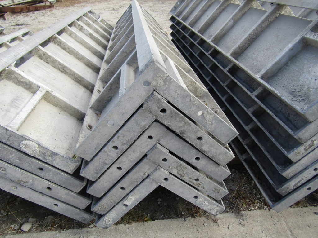 """(5) 12"""" x 12"""" x 8' Durand Concrete Forms Corners, Smooth 6-12 Hole Pattern, Located in Mt. Pleasant, - Image 2 of 2"""