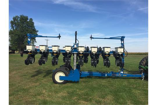 Kinze 3500 Planter 8/15 Row (NEW), KPM III Motor, HD down