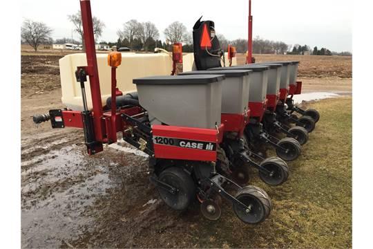 Case Ih 1200 6 Row Corn Planter W Pop Up Fert 2 100 Gal Fert
