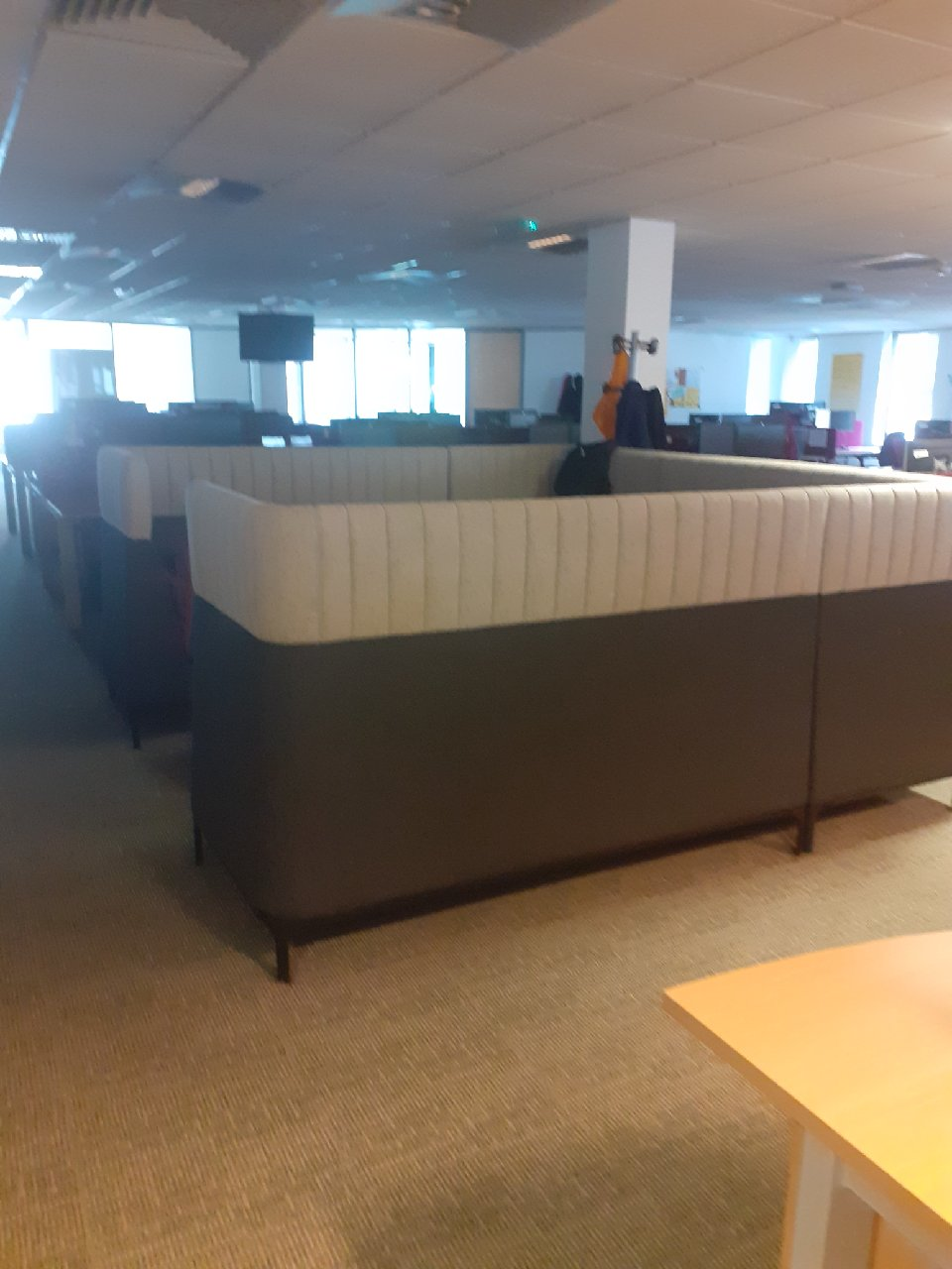1 x Privacy Seating Booth. Ideal for meeting rooms or reception areas Approx RRP £2500