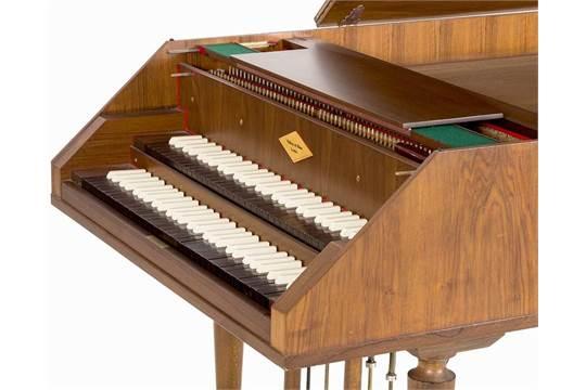 William de Blaise, harpsichord, walnut, London, 1975 Walnut