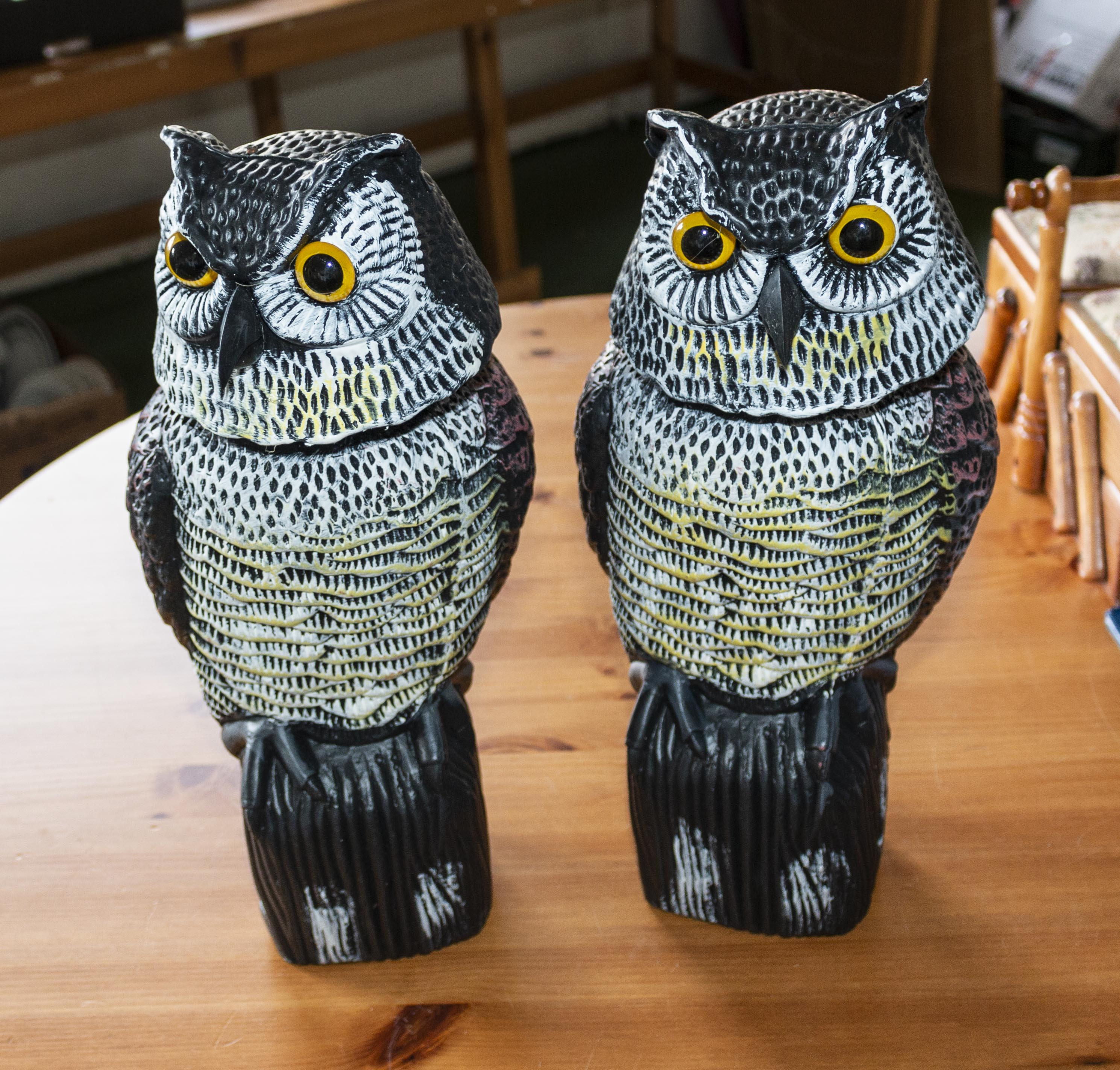 Lot 49 - Two plastic owl garden ornaments