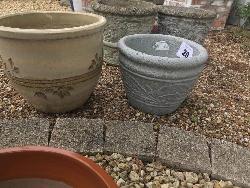 Lot 20 - 2x glazed planters, the larger approx. 30cm