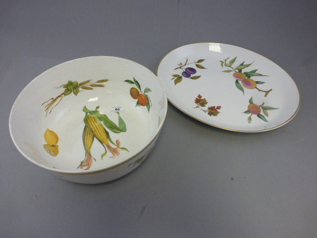 Lot 46 - Large Royal Worcester Evesham Bowl and Serving Plate