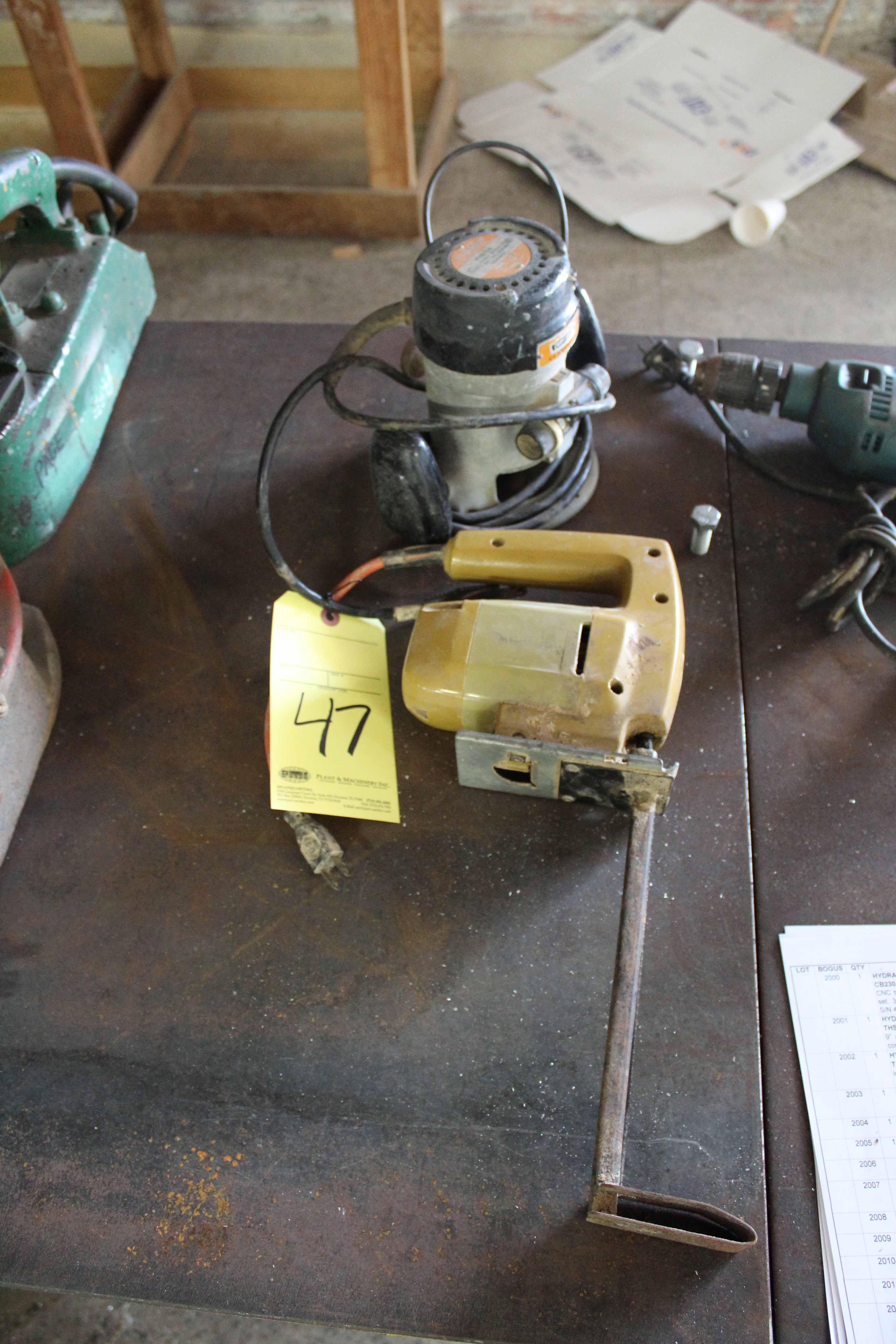 Lot 47 - LOT CONSISTING OF: electric router & jig saw