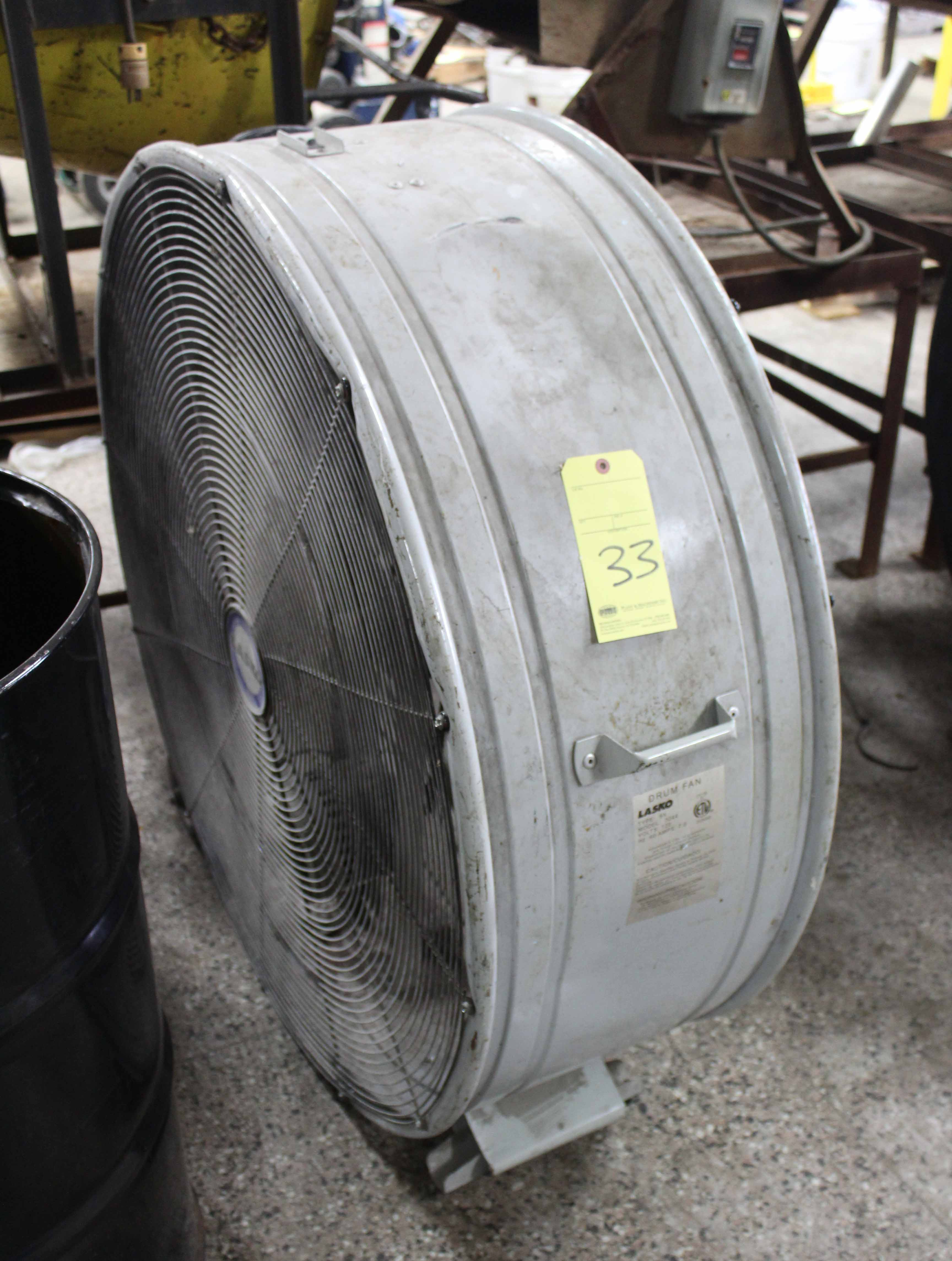 Lot 33 - ROLLER SHOP FAN
