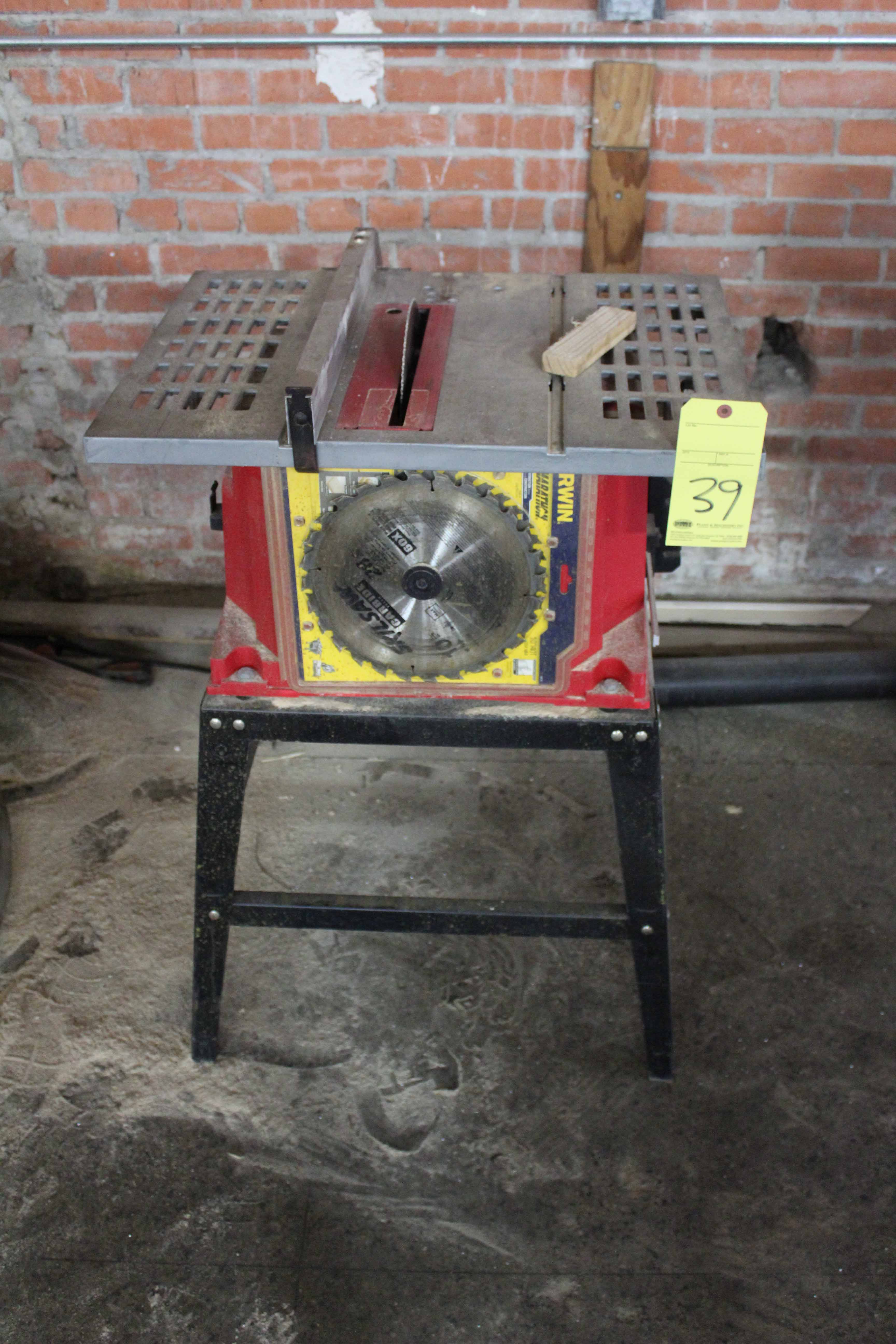 Lot 39 - PORTABLE TABLE SAW, SKIL, w/rip fence & stand
