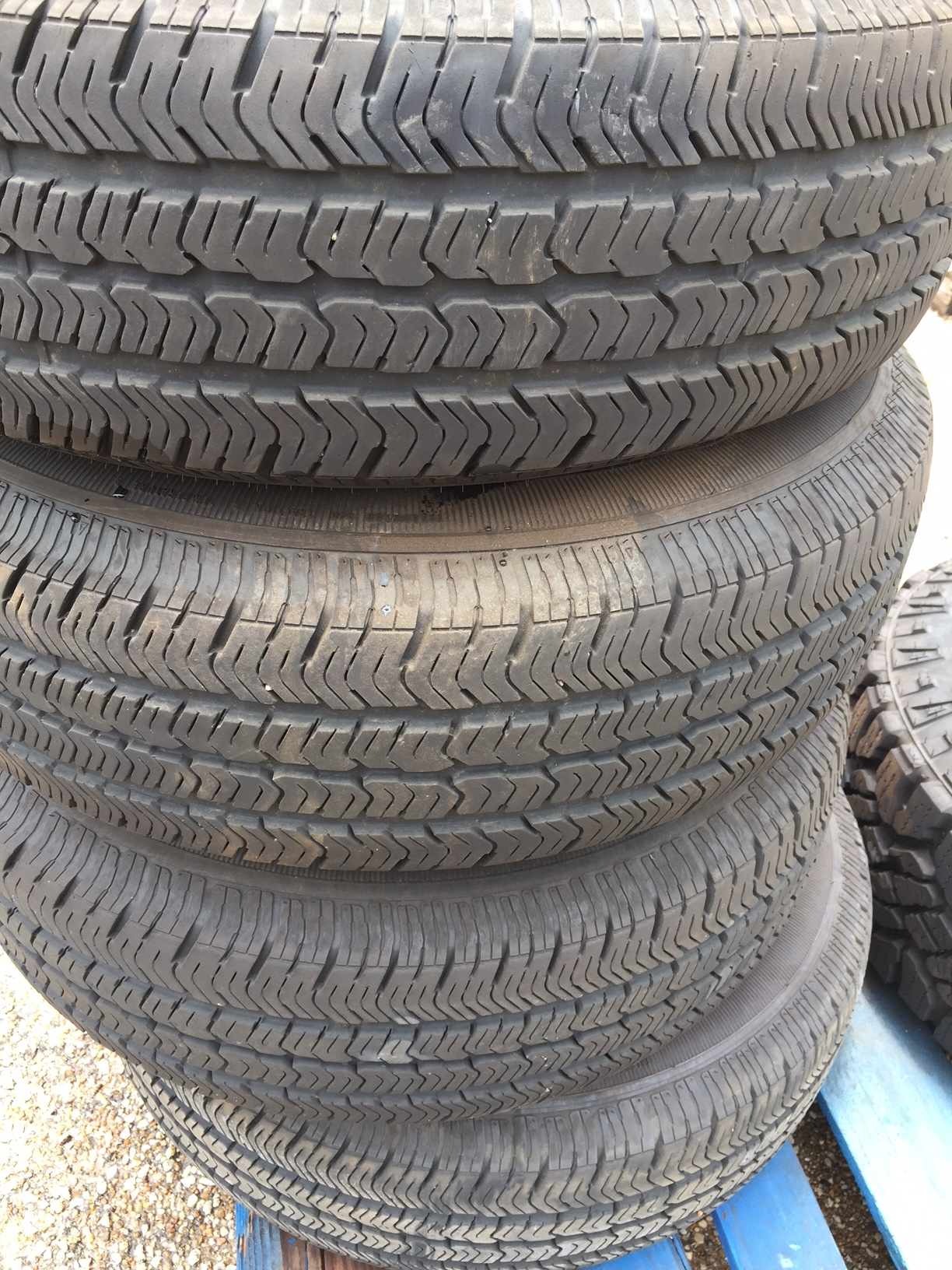 Lot 23A - LOT OF TIRES & WHEELS P225/75R16, LT265/70R17