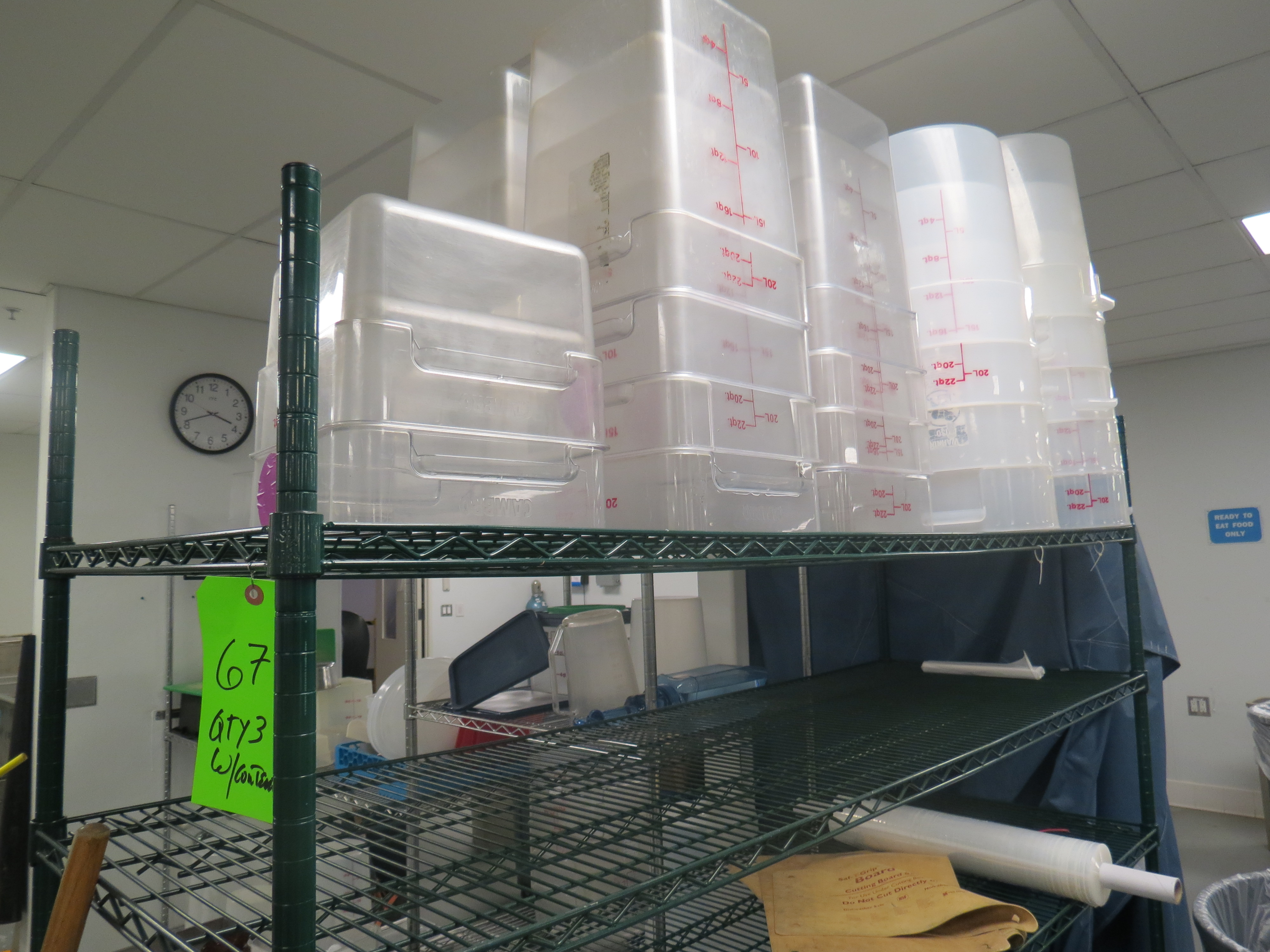 Lot 67 - LOT 3-ASSORTED STATIONARY WIRERACKS AND PLASTIC MEASURING CONTAINERS
