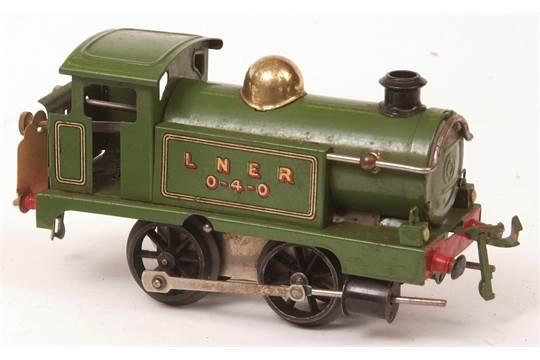 Hornby 39 O 39 Gauge Clockwork Lner 0 4 0 Locomotive In Green