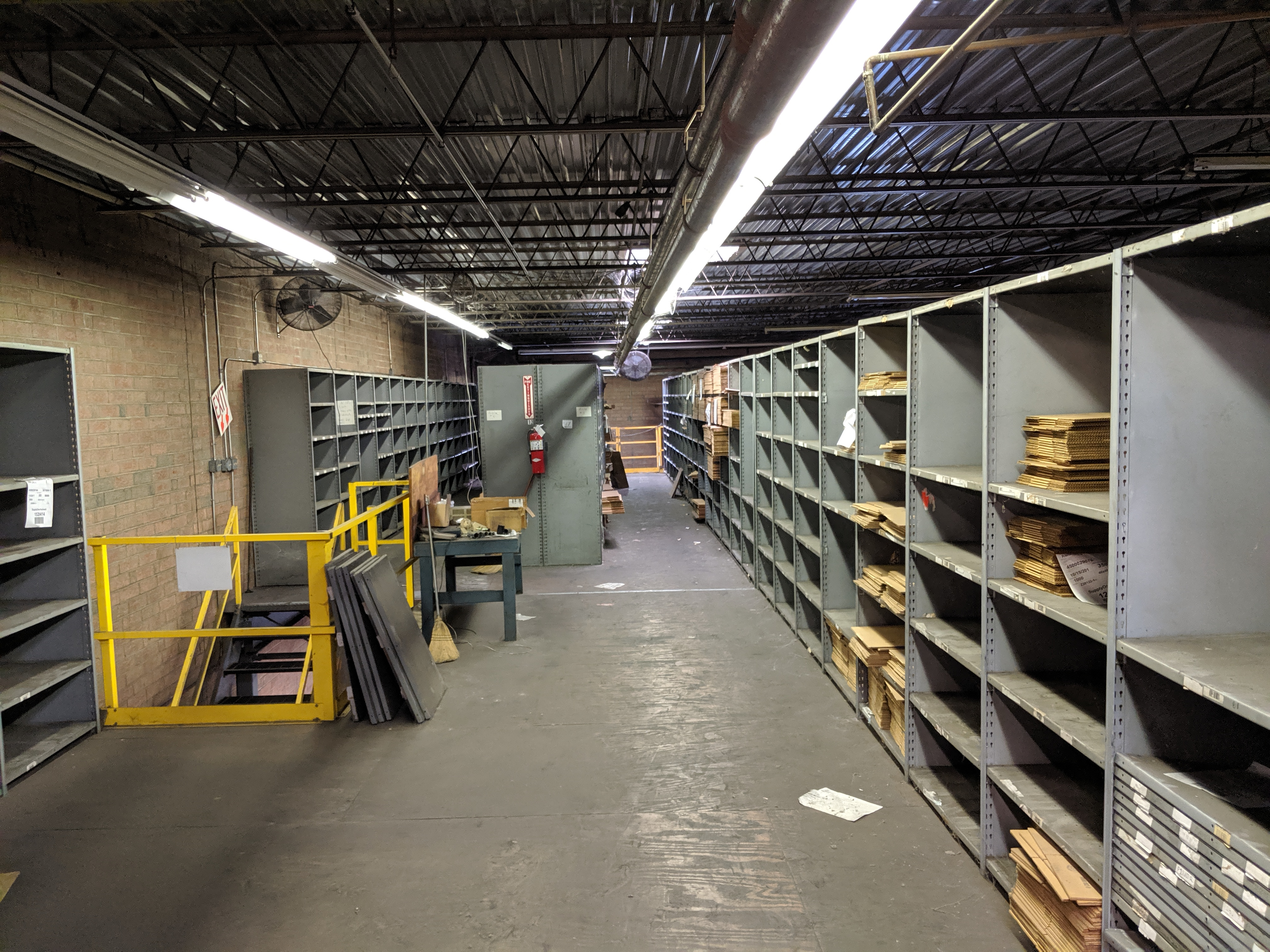 Parts shelving units - Image 7 of 9