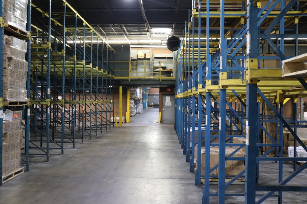 Parts shelving units - Image 9 of 9